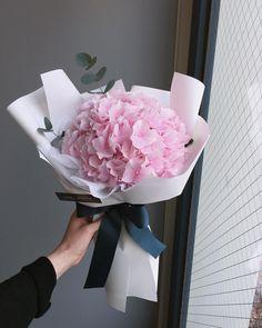 1 2 3 or Boquette Flowers, Luxury Flowers, Bunch Of Flowers, Dried Flowers, Planting Flowers, Beautiful Flowers, Flower Box Gift, Flower Boxes, Beautiful Flower Arrangements