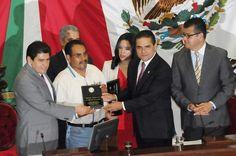 El coordinador del proyecto educativo T'arhexperakua, Gerardo Alonso Méndez señaló que para contar con educación de calidad, debe existir un trabajo comprometido de todos los sectores de la sociedad – ...