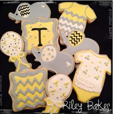 grey-and-yellow-chevron-baby-shower-cookies-riley-bakes.jpg (2048×2048)
