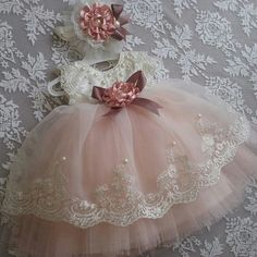 1 million+ Stunning Free Images to Use Anywhere Toddler Dress, Baby Dress, Baby Girl Fashion, Kids Fashion, Little Girl Dresses, Flower Girl Dresses, Girls Dresses, Robes D'occasion, Angel Gowns