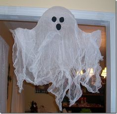 I'm not really one for real spooky Halloween Decorations…I guess you could say I like my frights cute, sweet, fluffy and smiling . But when ...