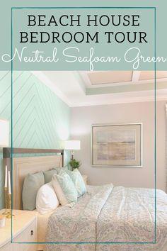 Beach House Tour, Beach House Bedroom, Dream Beach Houses, Beach House Decor, Home Decor Bedroom, Home Living Room, Green Bedroom Design, Bedroom Green, Master Bedroom Design