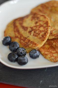 Pancakes /banane lin Pancakes, French Toast, Breakfast, Ethnic Recipes, Food, Banana, Morning Coffee, Essen, Pancake