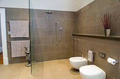 Bubble big bathroom with Beige And Brown
