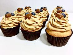 CUPCAKES S VANILKOU A KARAMELEM | Golden Dot Oreo Cupcakes, Mini Cupcakes, Cheesecake Brownies, Tiramisu, Smoothie, Food And Drink, Sweets, Desserts, Recipes