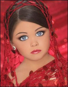 This Is A Little Girl From Toddlers And Tiaras She Looks