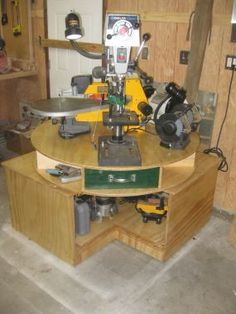 """space saving """"Lazy Stephen"""" for bench power tools - cool idea"""