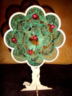 Deko-Objekte - KCA34 - handgeklöppelter Apfelbaum im Holzrahmen - ein Designerstück von Kreative-Kloeppelideen bei DaWanda