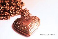 Heart Locket Necklace $11--I reallllllllllllllly love this