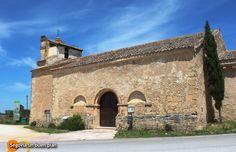 Desde la iglesia de Villaseca cogemos el camino que nos lleva a la magnífica ermita de San Frutos, en el Parque Natural de las Hoces del Duratón