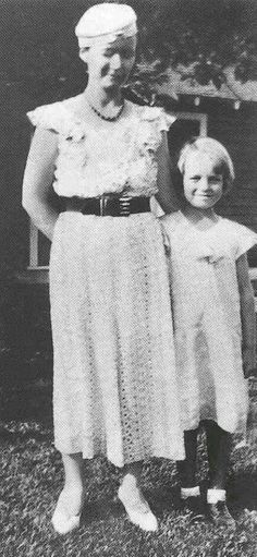 Marilyn Monroe with her mother Gladys, 1934