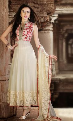Off White Georgette Anarkali Dress Bring out the stylish diva inside you when you don this off white georgette Anarkali dress. This gorgeous attire is displaying some terrific embroidery done with bead, crystal and resham work. India Fashion, Ethnic Fashion, Asian Fashion, Indian Attire, Indian Ethnic Wear, Indian Suits, Mode Bollywood, Indische Sarees, Indie Mode