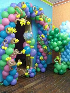 Colorful balloon arch for your Under the Sea themed party.