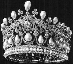 Tiara Mania: Empress Alexandra Feodorovna of Russia's Diadem of Ancient Pearls