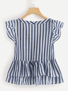 V Neckline Single Breasted Striped Babydoll Top -SheIn(Sheinside) Dresses Kids Girl, Kids Outfits, Casual Outfits, Blouse Styles, Blouse Designs, Pretty Outfits, Cute Outfits, Girl Fashion, Fashion Dresses