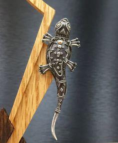 Lizard Brooch Reptile Brooch Vintage Lizard by FashionablyTimeless