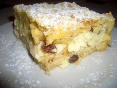 Rohlíky pokrájíme na kolečka, jiné pečivo pokrájíme asi na 5x5 cm. Máslo rozpustíme, vlejeme do vlažného mléka a do toho rozšleháme 3 žloutky.... Lasagna, French Toast, Goodies, Pie, Sweets, Cheese, Breakfast, Ethnic Recipes, Pastries