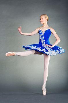 © Stanislav Belyaevsky Станислав Беляевский. ✯ Ballet beautie, sur les pointes ! ✯