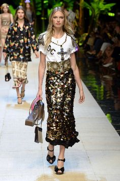 Dolce & Gabbana   Ready-to-Wear Spring 2017   Look 40