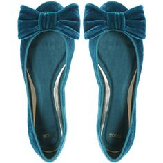 ooh velvet shoes with bows! love them.