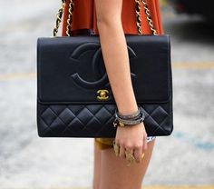 chanel - navy - quilted