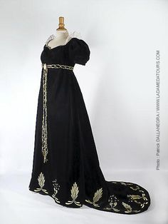 Trimmed Dress: ca. 1812, embroidered velvet and lace.