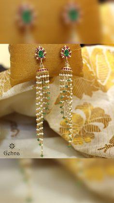 Saved by radha reddy garisa Diamond Earrings Indian, Gold Jhumka Earrings, Jewelry Design Earrings, Gold Earrings Designs, Gold Jewellery Design, Bead Jewellery, Beaded Jewelry, Pearl Jhumkas, Emerald Earrings