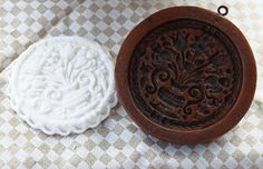 Williamsburg Floral Springerle Gingerbread Cookie by Gingerhaus