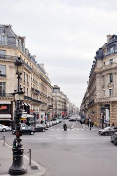 Streets of Paris | lark&linen