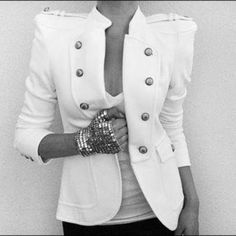 Hmm yes! Cute white blazer. Already found the some adorable pants to match it