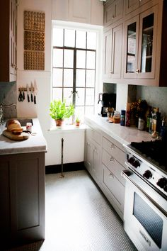 Profile: Michelle Smith // small, but lovely New York  kitchen