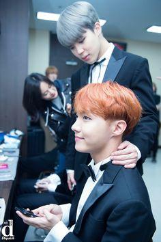 Jimin and J-Hope ❤ BTS at the Korean Popular Culture and Arts Awards (Dispatch) Jung So Min, Foto Bts, Jung Hoseok, Lee Min Ho, Bts Jimin, Bts Bangtan Boy, Jhope Abs, K Pop, Bts Memes