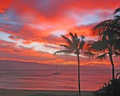 Top 5 favorite places to watch a sunset: HAWAII Magazine Facebook poll results by Maureen O'Connell   HAWAII Magazine   Hawaii news, events, places, dining, travel tips & deals, photos   Oahu, Maui, Big Island, Kauai, Lanai, Molokai: The Best of Hawaii