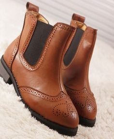 Europe and the wind-style Oxford Shoes Women choke with pierced-nosed Knight Martin boots boots flat shoes Women Oxford Shoes, Shoes Women, Martin Boots, Flat Shoes, Chelsea Boots, Knight, Women's Oxfords, Europe, Flats