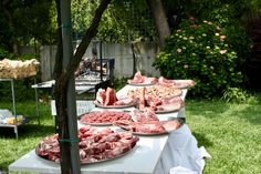 Tutto è pronto per la grigliata di carne #grigliata #braciata #carne #piastra #bistecca #buffetcarne #showcooking #catering #banqueting