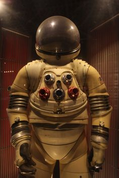 RX-5 prototype space suit in JSC Visitor Center.