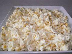 Sałatka chrzanowa Sałatka ta o dziwo nie jest ostra, chrzan jest tylko akcentem, choć dałam cały mały słoiczek chrzanu, jest pyszna, polecam. Dodając więcej śmietany... Sweet Recipes, Snack Recipes, Snacks, Appetizer Salads, Appetizers, My Favorite Food, Favorite Recipes, Polish Recipes, Macaroni And Cheese