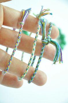 Friendship bracelets with a twist :: a DIY