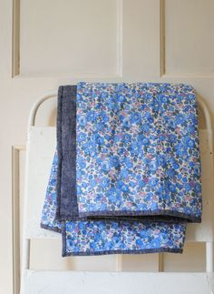 Molly's Sketchbook: Windowpane Wholecloth Baby Quilt