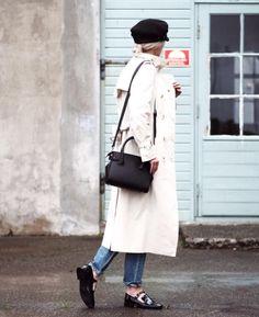 DECADENT Adele tiny shopper in black. Worn by Norwegian influencer Sara Strand.