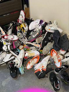 Bedroom Setup, Kicks, Sneakers Nike, Mens Fashion, Air Jordans, Logos, Shoes, Inspiration, Decor