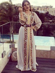 72545bc9f6fc72 Caftan Marocain 2018 Robes Originales Haute Gamme   Moroccan Caftan ...