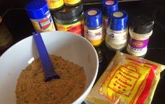 Kruidenmix voor bami Sweet Spice, Good Food, Yummy Food, Homemade Seasonings, Dutch Recipes, Dinner Is Served, Indonesian Food, Spice Mixes, How To Cook Pasta