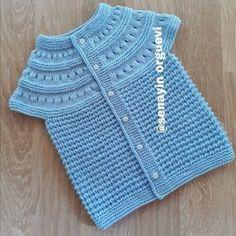 Fare Dişi Örgü Bebek Yeleği Baby Knitting Patterns, Knitting Stitches, Crochet For Kids, 3 Ay, Layette, Amigurumi, Diy Crafts, Children, Kids Fashion
