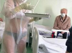 O asistentă medicală a tratat pacienţi COVID-19 într-un costum transparent Meme, Costumes, Dress Up Clothes, Fancy Dress, Memes, Men's Costumes, Suits