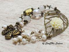 Vintage Armband creme weiß bronze mit Blüte von ConCHa Catena auf DaWanda.com