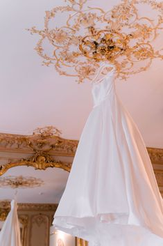 Want to organize your Wedding in France? Looking for a Wedding Planner in Paris? Wedding in France can offer you some great wedding packages in France to make it easy! Paris Wedding, Hotel Wedding, Luxury Wedding, Wedding Ceremony, Dream Wedding, Paris Destination, Destination Wedding Planner, French Wedding Style, Bride Getting Ready