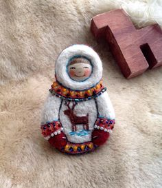 Мальчик Нанухак(медвежонок),увезёт вас в Тундру и подарит бескрайний север.❄️#натальюшкиныброшки #матрёшка #северныйолень