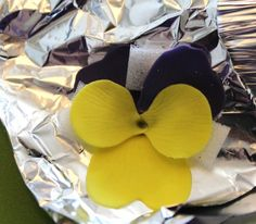 How to make Pansy from fondant / gum paste
