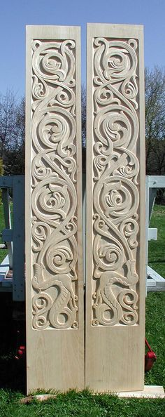 Gorgeous Norse inspired carving Could have as stiles on wardrobe doors or as 2 side panels Norwegian Style, Norwegian Wood, Viking Designs, Celtic Designs, Wood Sculpture, Sculptures, Wood Projects, Woodworking Projects, Woodworking Plans